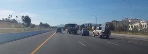 VIDEO: Cocalarul cu BMW face slalom printre masini si provoaca un mega-accident pe autostrada