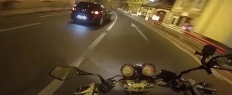 VIDEO cu un accident din Romania: Cand doi prosti se intalnesc la semafor