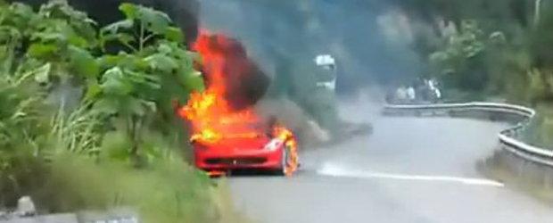 VIDEO: Cum arata un Ferrari 458 Italia in flacari