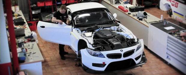 Video: Cum construiesti un BMW Z4 GT3 in 600 ore