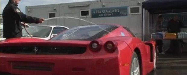 Video: Cum sa nu speli un Ferrari Enzo!