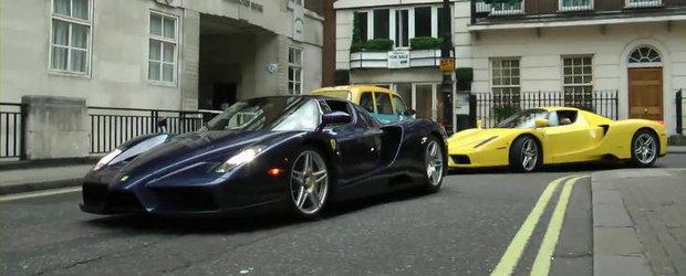 VIDEO: Doua Ferrari Enzo isi dau intalnire in centrul Londrei