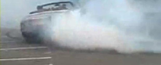 Video: Drifturi cu Rolls Royce Drophead Coupe