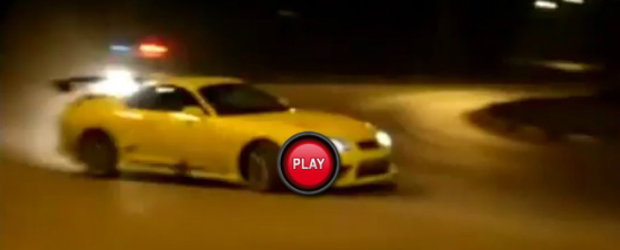 VIDEO: Drifturi ilegale, Toyota Supra si o masina de politie de nicaieri