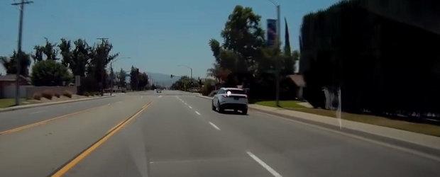 VIDEO: Era sa-si rupa BMW-ul din cauza acestui Range Rover extrem de sexy