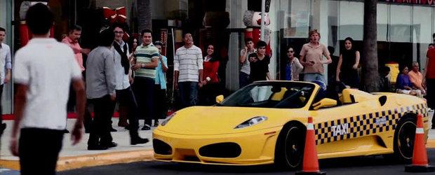 VIDEO: Ferrari F430 Spider si Porsche Panamera, cele mai tari taxiuri din Mexic