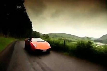 Video: Fifth Gear ia LP-ul 670-4 SV de coarne