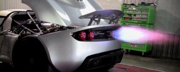 Video: Hennessey Venom GT urca pe dyno, scuipa flacari uriase!