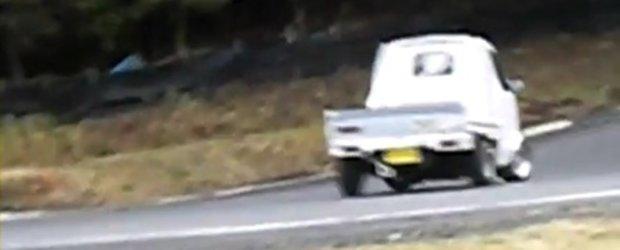 Video: Japonezii chiar fac drifturi cu orice...