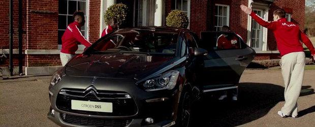 VIDEO: Jucatorii Arsenal Londra fac balet pentru Citroen DS5