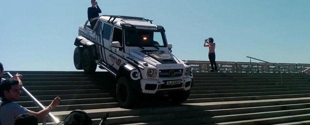 VIDEO: Mercedes G63 AMG 6x6 coboara scarile fara niciun fel de problema