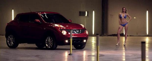 Video: Nissan Juke provoaca la duel un model Sports Illustrated!