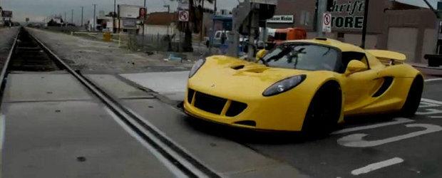VIDEO: Noul Hennessey Venom GT viziteaza garajul lui Jay Leno