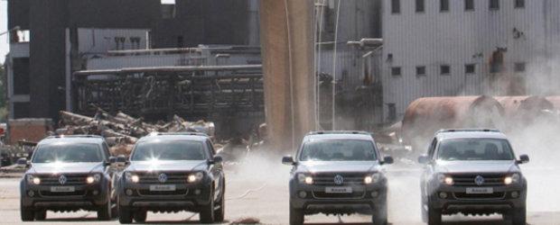 Video: Noul Volkswagen Amarok demoleaza un horn de 140 de tone