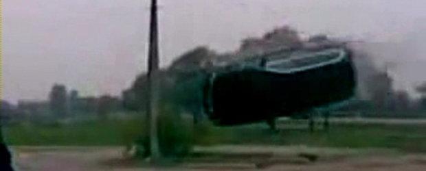 Video: O cascadorie nu tocmai reusita...