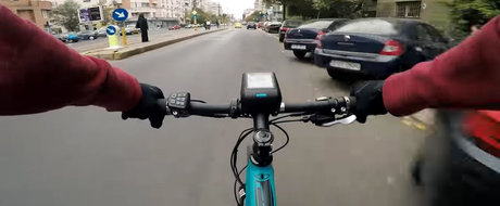 VIDEO: o tura cu bicicleta prin Bucuresti ne demonstreaza ca soferii si pietonii sunt cam nebuni