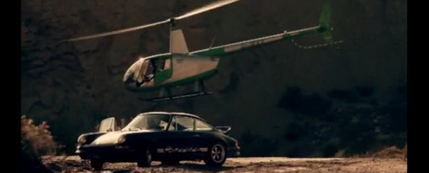 Video: Porsche 911 Carrera RS versus Elicopter - Jamiroquai Style