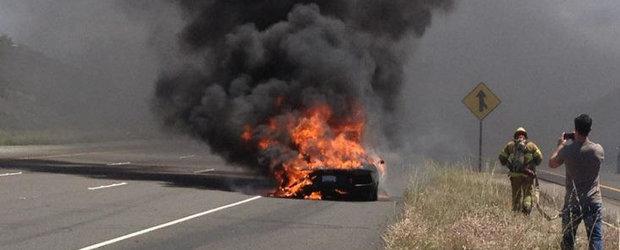 VIDEO: Primul Lamborghini Aventador in flacari, pe strazile din California