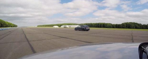 VIDEO: Primul SUV de la Tesla bate un RS4 Avant de parca ar avea motor 1.9 TDI