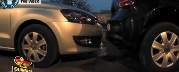 Video: record omologat de Guiness - cea mai stramta parcare laterala