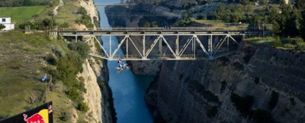 Video: Robbie Maddison sare peste Canalul Corint