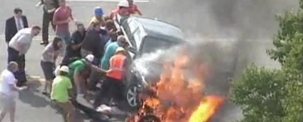 Video: salvarea unui motocilist dintr-un accident grav in Statele Unite