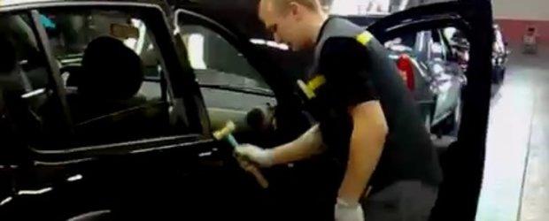 Video: Sandero se repara cu ciocanul in Rusia!