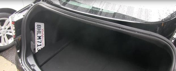 VIDEO: Si-au cumparat masina noua, dar nu pot folosi portbagajul atunci cand ploua. Unde se scurge toata apa