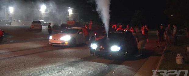 VIDEO: Te crezi rapid la cursele de drag-race? Arunca-ti masina pe benzina si ia o Tesla