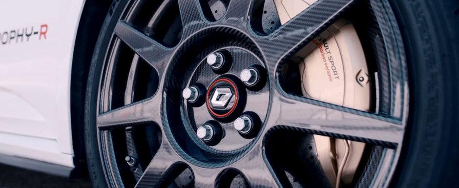 VIDEO: Top Gear ne face turul noului Renault Megane RS Trophy-R, masina cu tractiune fata care costa cat un Porsche