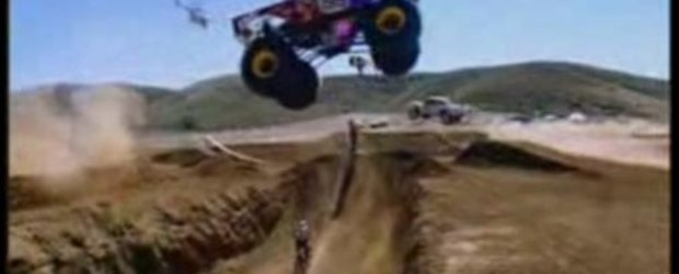 VIDEO: Uita tot ce ai vazut pana acum... Off-road madness!