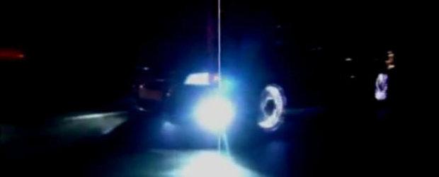 VIDEO: Un Audi A8 cu jante iluminate face show pe strazile din Galati