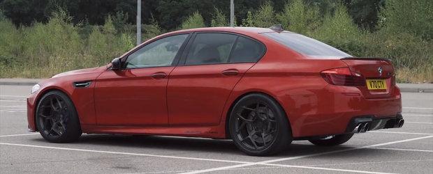 VIDEO: Un BMW M5 din Marea Britanie are 1.000 CP sub capota si fuge de mananca pamantul