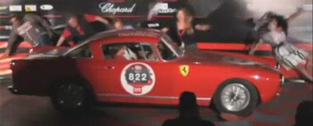 VIDEO: Un Ferrari 250 GT da pe spate audienta de la Mille Miglia North America