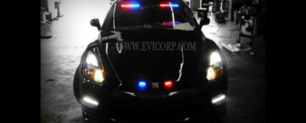 VIDEO: Un Nissan GT-R... ca agent de politie sub acoperire