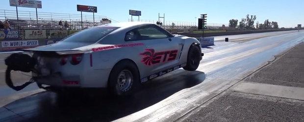 VIDEO: Un Nissan GT-R cu 3000 CP se ridica pe doua roti si face sfertul de mila in 6.8 secunde
