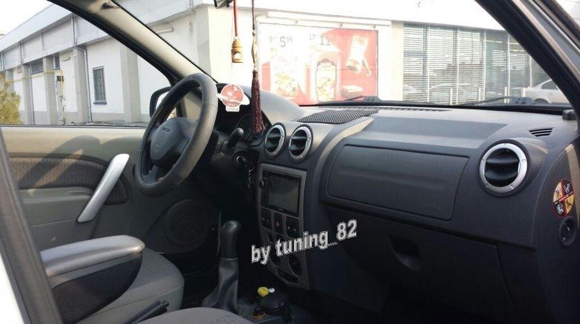 Vigatie Dedicata Dacia Logan Ph1 2004 - 2008 MACROM M-DVD 5560 DVD PLAYER AUTO USB SD PLAYER GPS