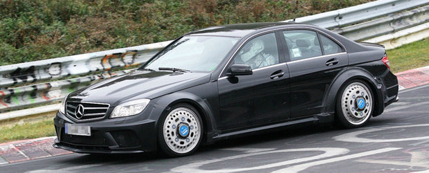 Viitorul Mercedes C63 AMG Black Series ia cu asalt Nurburgring-ul