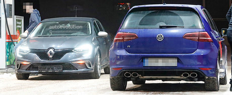 Viitorul Renault Megane RS surprins din nou in teste. De aceasta data alaturi de Golf-ul R
