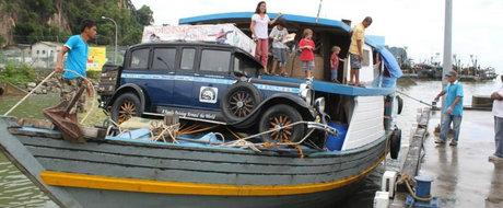 Vino maine sa cunosti familia Zapp care face inconjurul lumii cu o masina din 1928!