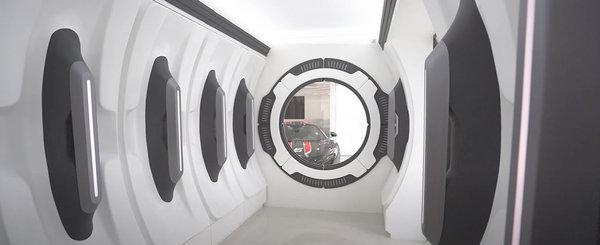 Visul oricarui impatimit auto: masini in valoare de 30 de milioane de dolari si un garaj scos parca din filmele SF