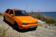 Visul unei nopti de vara: VW Golf 3 by Andrei