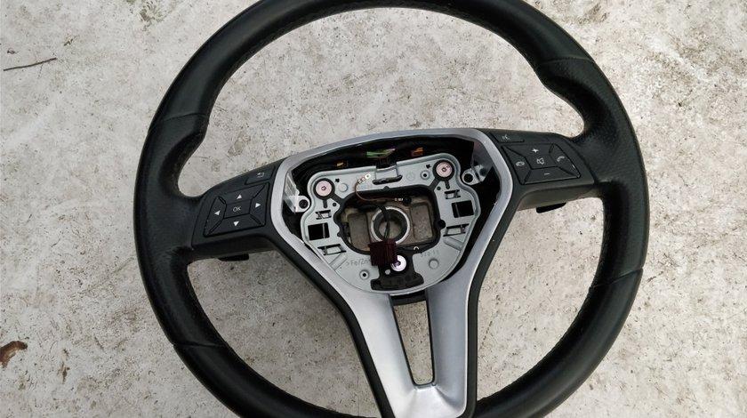 Volan Mercedes cu padele compatibil cu W204 W212 W207 S204 W246 W176 W218 W172