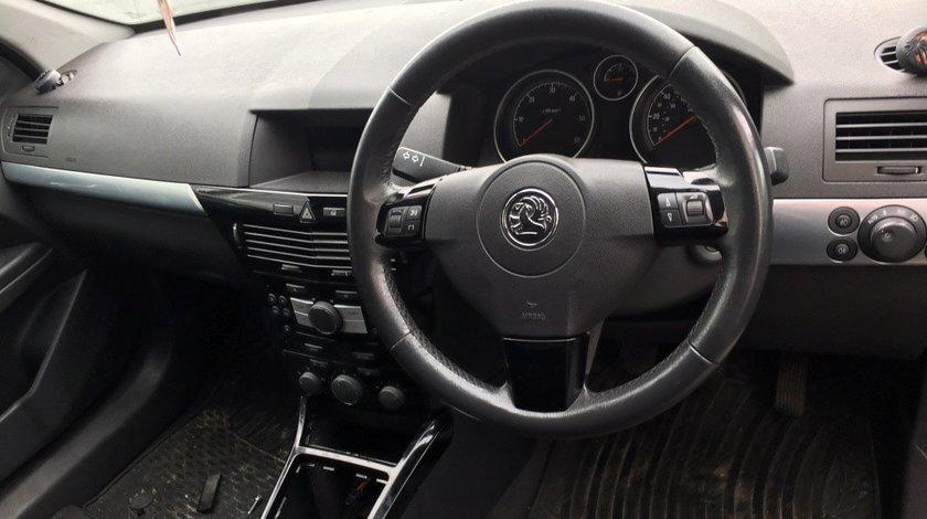 Volan Opel Astra H comenzi negre