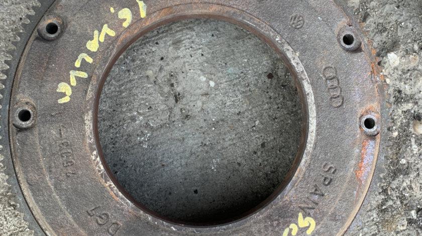 Volanta 027105273D vw golf 4 1,6 Sr tip motor akl