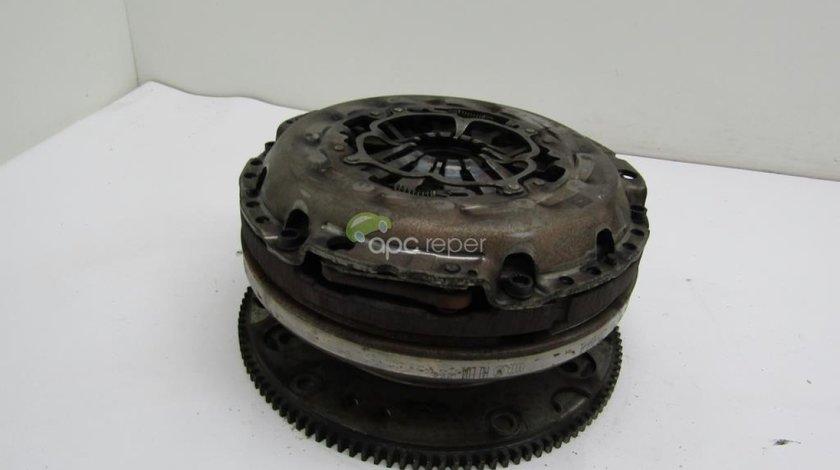 Volanta + kit ambreiaj Audi A6 4G 2.0 TDI an 2011 cod 0B1105266AL