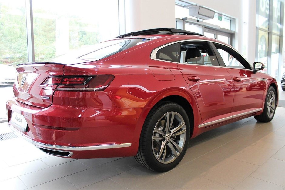 Volkswagen Arteon in Chili Red