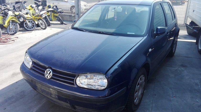 Volkswagen Golf 4 an fab.2002 1.6 16v tip motor AZD