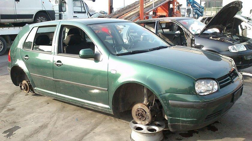 Volkswagen golf 4 hatchback an 2001 motor 1 4 16v tip AXP