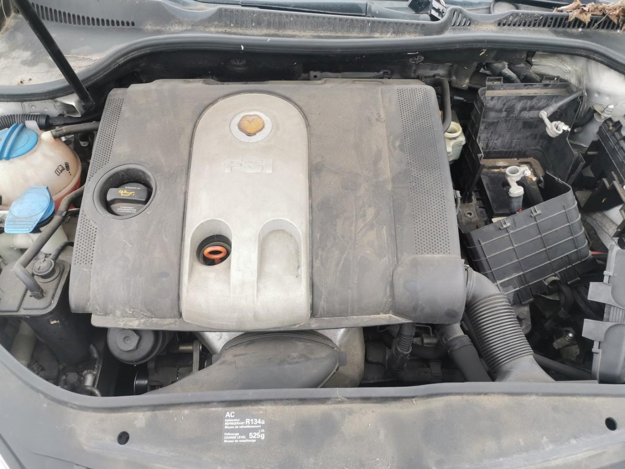 Volkswagen Golf 5 1.6fsi tip BLF, cutie de viteze manuala 6+1trepte